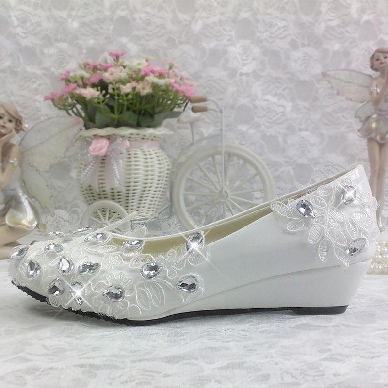 Chic / Beautiful 2017 White Casual Church Lace PU Appliques Rhinestone Flat Flat Sandals Wedding Shoes