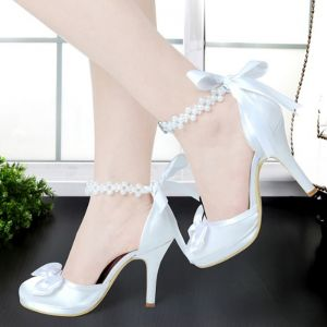 Elegant Ivory Wedding Shoes 2018 Bow Pearl 10 cm Stiletto Heels Round Toe Wedding Pumps
