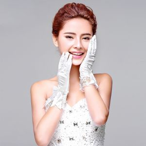 2015 Short White Lace Satin Gloves