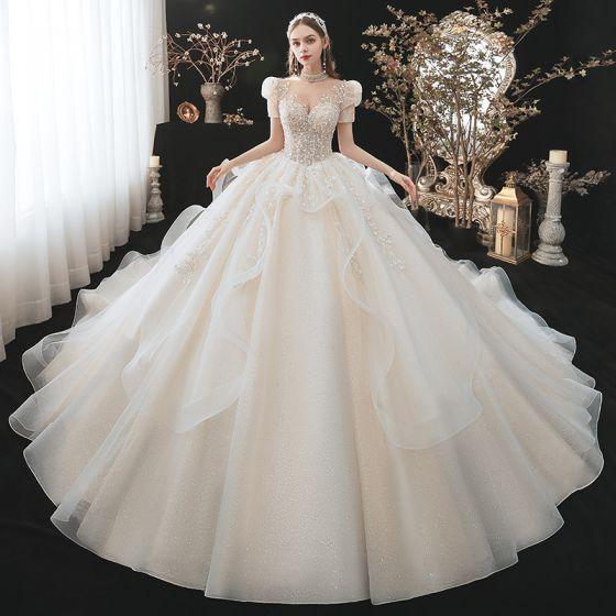 Fantastisk Champagne Bröllopsklänningar 2021 Balklänning Urringning Beading Paljetter Appliqués Korta ärm Halterneck Royal Train Bröllop