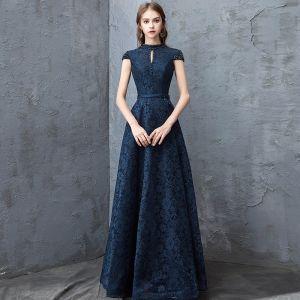 Schöne Marineblau Abendkleider 2018 A Linie Spitze Kristall Rundhalsausschnitt Rückenfreies Ärmel Lange Festliche Kleider