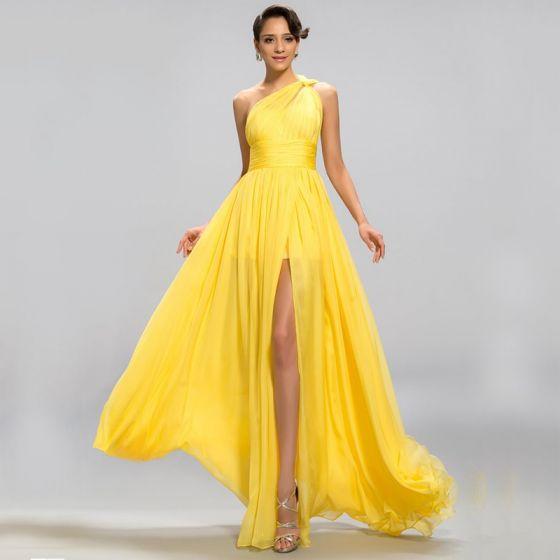 Eleganckie Klasyczna Uroczy Żółta Imperium Sukienki Wieczorowe 2020 Princessa Długie Lato Jednolity kolor Podział Przodu Bez Pleców Jedno Ramię Koktajlowe Wieczorowe Sukienki Wizytowe