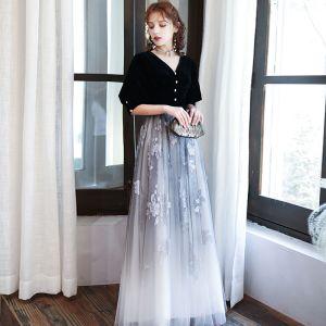 Klassisk Sorte Gradient Farve Hvide Selskabskjoler 2020 Prinsesse V-Hals Puffy 1/2 De Las Mangas Glitter Trykning Blomsten Lange Flæse Halterneck Kjoler