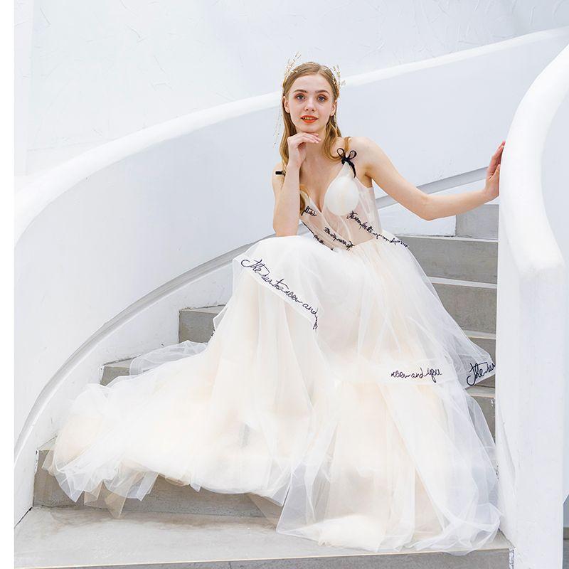 Modern / Fashion Champagne Evening Dresses  2019 A-Line / Princess Spaghetti Straps Bow Sleeveless Backless Sweep Train Formal Dresses
