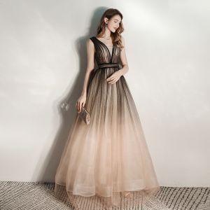 Schöne Schwarz Farbverlauf Abendkleider 2020 A Linie Tiefer V-Ausschnitt Ärmellos Glanz Tülle Lange Rüschen Rückenfreies Festliche Kleider