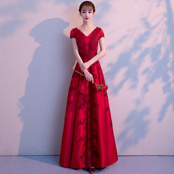 11b93c87e911 elegant-burgundy-evening-dresses -2018-a-line-princess-lace-flower-v-neck-backless-short-sleeve-floor-length- long-formal-dresses-560x560.jpg