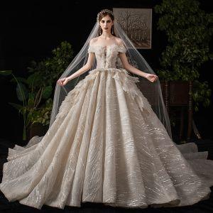 Luxus / Herrlich Champagner Brautkleider / Hochzeitskleider 2019 Ballkleid Off Shoulder Perlenstickerei Pailletten Kurze Ärmel Rückenfreies Königliche Schleppe