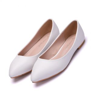 Modest / Simple White Casual Flat Womens Shoes 2018 Pointed Toe