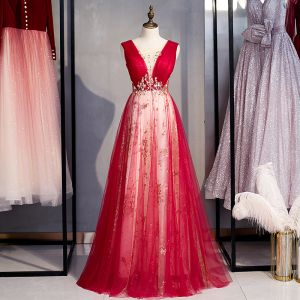 Classy Burgundy Glitter Prom Dresses 2020 A-Line / Princess Scoop Neck Beading Pearl Lace Flower Sleeveless Backless Floor-Length / Long Formal Dresses