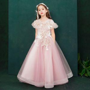 Elegante Pink Geburtstag Blumenmädchenkleider 2020 A Linie Rundhalsausschnitt Kurze Ärmel Blumen Applikationen Spitze Perlenstickerei Perle Lange Rüschen