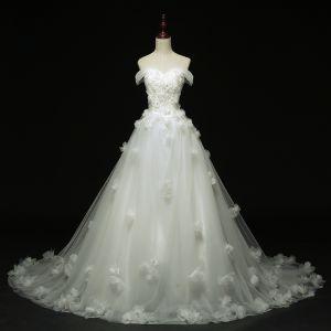 Piękne Kościół Suknie Ślubne 2017 Białe Suknia Balowa Trenem Katedra Przy Ramieniu Kótkie Rękawy Bez Pleców Z Koronki Aplikacje Kwiat Cekiny Rhinestone Perła