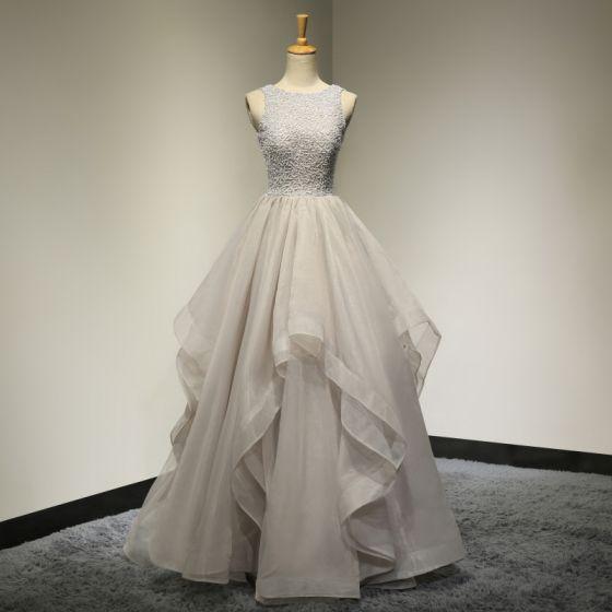 Chic / Belle Gris Robe De Bal 2017 Robe De Ceremonie Robe De Soirée Princesse Encolure Dégagée Sans Manches Perlage Volants Dos Nu Organza
