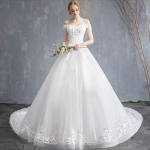 Affordable Ivory Wedding Dresses 2019 A-Line / Princess Off-The-Shoulder Short Sleeve Backless Appliques Lace Beading Tassel Chapel Train Ruffle
