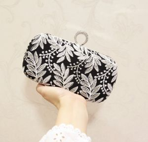 Modest / Simple Black Leaf Embroidered Metal Clutch Bags 2018