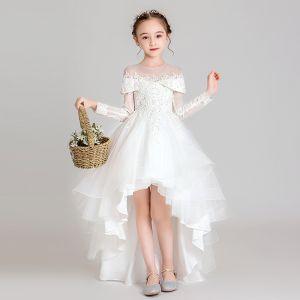 Elegante Weiß Durchsichtige Blumenmädchenkleider 2020 Ballkleid Rundhalsausschnitt Lange Ärmel Applikationen Spitze Perlenstickerei Asymmetrisch Rüschen