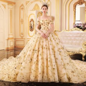 Luxus / Herrlich Gold Brautkleider / Hochzeitskleider 2019 A Linie Off Shoulder Kurze Ärmel Rückenfreies Glanz Pailletten Star Kathedrale Schleppe Rüschen