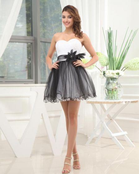 Longueur Cuisse Bretelles Fleurs De Perles Encolure Tulle Charmeuse Femme Petite Robe De Cocktail