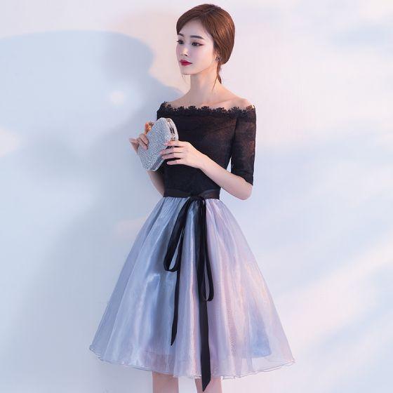 Chic / Belle de retour Robe De Graduation 2017 Noire Bleu Ciel Princesse Mi-Longues De l'épaule Dos Nu 1/2 Manches Ceinture Dentelle Robe De Ceremonie