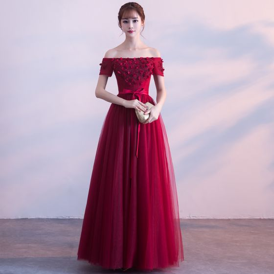 23d9da47b3 Chic / Beautiful Burgundy Prom Dresses 2018 A-Line / Princess Crystal  Appliques Bow Off-The-Shoulder Backless ...