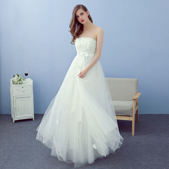 Affordable Ivory Beach Wedding Dresses 2019 A-Line / Princess Strapless Sleeveless Backless Appliques Lace Flower Pearl Bow Sash Floor-Length / Long Ruffle