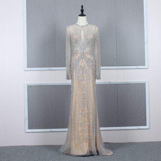 High End Champagner Grau Durchsichtige Abendkleider 2020 Meerjungfrau Rundhalsausschnitt Lange Ärmel Handgefertigt Perlenstickerei Sweep / Pinsel Zug Festliche Kleider
