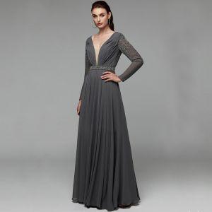 Mode Sexy Grau Abendkleider 2020 A Linie Tiefer V-Ausschnitt Lange Lange Ärmel Rückenfreies Handgefertigt Perlenstickerei Kristall Pailletten Cocktail Abend Festliche Kleider