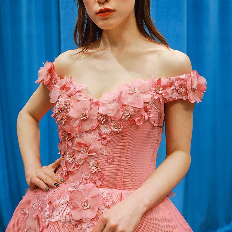 Fabelhaft Pearl Rosa Ballkleider 2019 Ballkleid Off Shoulder Kurze Ärmel Applikationen Blumen Strass Hof-Schleppe Rüschen Rückenfreies Festliche Kleider