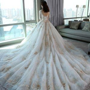 Luksusowe Kościół Suknie Ślubne 2017 Białe Suknia Balowa Trenem Królewski Wycięciem Długie Rękawy Bez Pleców Perła Aplikacje Kwiat