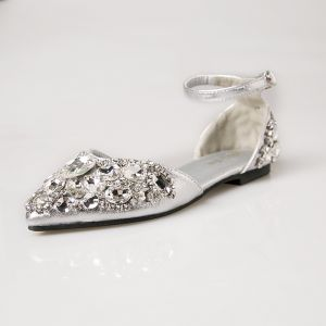 Sparkly Silver Wedding Shoes 2018 Wedding Beading Sequins Crystal Rhinestone Buckle Pointed Toe Flat High Heels