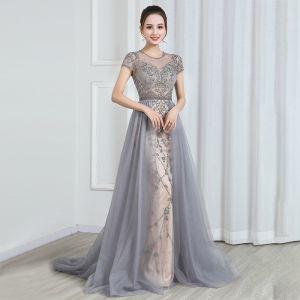 Wysokiej Klasy Szampan Szary Przezroczyste Sukienki Wieczorowe 2020 Princessa Wycięciem Kótkie Rękawy Frezowanie Trenem Sweep Wzburzyć Sukienki Wizytowe