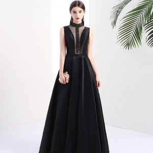 Modern / Fashion Black Pierced Evening Dresses  2017 A-Line / Princess High Neck Sleeveless Beading Pearl Floor-Length / Long Backless Formal Dresses