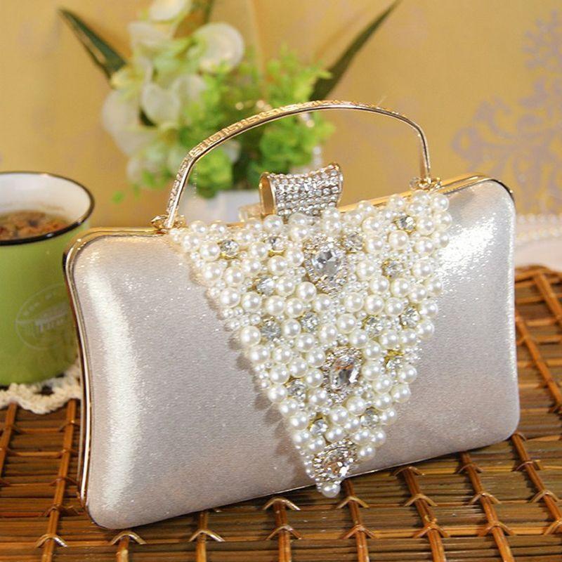 Chic / Beautiful Luxury / Gorgeous 2017 Black White Leaf Pearl Rhinestone Taffeta Outdoor / Garden Evening Party Clutch Bags