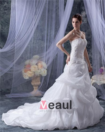Organza Satin Applique Volants Perles Cour Nuptiale A-ligne De Robe De Mariage De Robe
