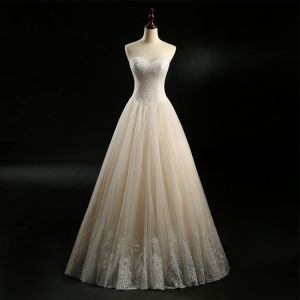 Classic Champagne Wedding Dresses 2018 A-Line / Princess Sweetheart Sleeveless Backless Appliques Lace Beading Pearl Floor-Length / Long Ruffle