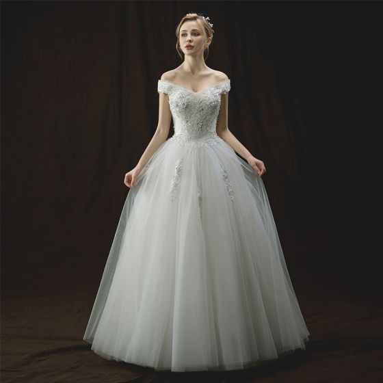 Snygga / Fina Elfenben Bröllopsklänningar 2018 Prinsessa Av Axeln Korta ärm Halterneck Appliqués Spets Blomma Pärla Paljetter Långa Ruffle