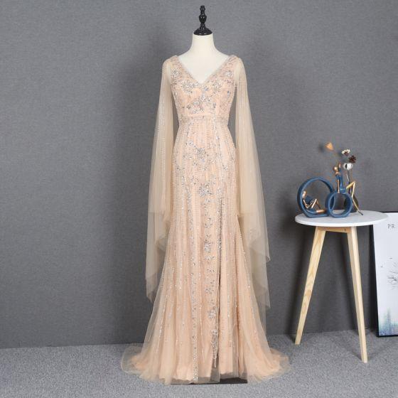 Wysokiej Klasy Złote Sukienki Wieczorowe 2020 Otoczka / Nadające V-Szyja Bez Rękawów Frezowanie Rhinestone Podział Przodu Trenem Sweep Wzburzyć Bez Pleców Sukienki Wizytowe