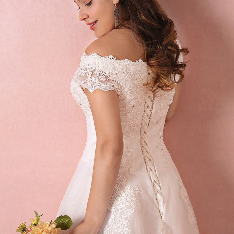 Chic / Beautiful White Wedding Dresses 2017 A-Line / Princess V-Neck Tulle Beading Sequins Appliques Backless Wedding