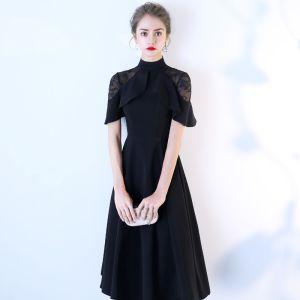Chic / Belle Noire de retour Robe De Graduation 2018 Princesse Col Haut Manches Courtes Thé Longueur Robe De Ceremonie