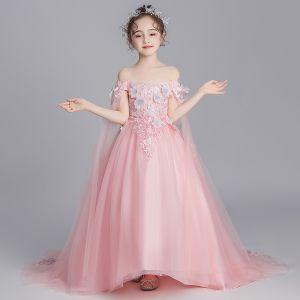 Hada de las flores Perla Rosada Vestidos para niñas 2019 A-Line / Princess Fuera Del Hombro Manga Corta Apliques Con Encaje Watteau Train Ruffle Sin Espalda Vestidos para bodas
