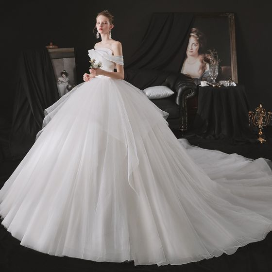Minimalist White Bridal Wedding Dresses 2021 A-Line / Princess Strapless One-Shoulder Short Sleeve Backless Cathedral Train Ruffle