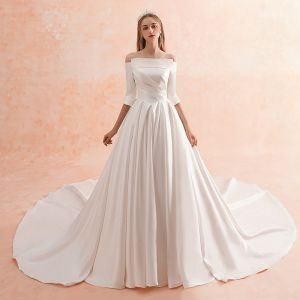 Modest / Simple Ivory Winter Wedding Dresses 2019 A-Line / Princess Off-The-Shoulder 1/2 Sleeves Backless Royal Train