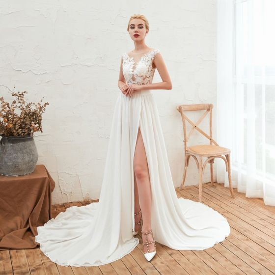 Affordable Ivory Chiffon Summer See-through Wedding Dresses 2019 A-Line / Princess Scoop Neck Sleeveless Appliques Lace Split Front Court Train Ruffle