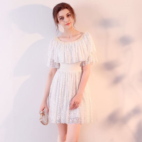 Chic / Beautiful 2017 White Graduation Dresses Strapless Lace Backless Pierced Homecoming Formal Dresses