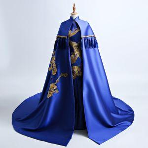 Style Chinois Bleu Roi Cathedral Train Robe De Soirée 2018 Trompette / Sirène Col Haut Avec Cape Brodé Charmeuse Soirée Robe De Ceremonie