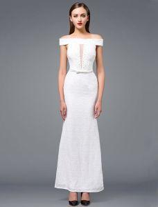 Mode Robe De Soirée Blanche 2016 Sirène Au Large De La Longue Robe Épaule Perlage En Dentelle Blanche Avec Ceinture