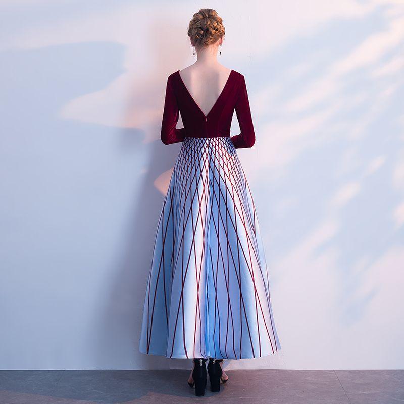 Schöne Burgunderrot Abendkleider 2018 A Linie Gestreift V-Ausschnitt Lange Ärmel Knöchellänge Festliche Kleider