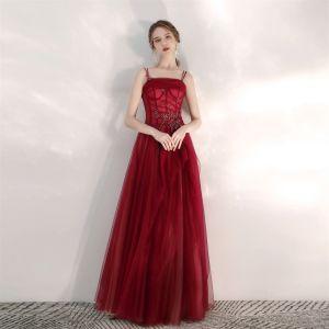 Charmig Burgundy Balklänningar 2020 Prinsessa Spaghettiband Beading Paljetter Ärmlös Halterneck Långa Formella Klänningar