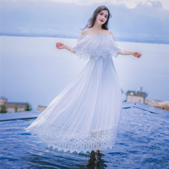 Modest / Simple White Honeymoon Maxi Dresses 2019 A-Line / Princess Off-The-Shoulder Lace Pleated Short Sleeve Floor-Length / Long Womens Clothing