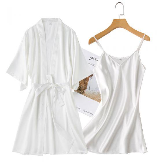 Affordable White Wedding Bridal Bridesmaid V-Neck 3/4 Sleeve Silk Robes 2020 Sash