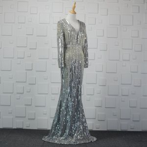 Luksusowe Błyszczące Srebrny Wykonany Ręcznie Frezowanie Sukienki Wieczorowe 2019 Syrena / Rozkloszowane Kryształ Cekiny Kutas V-Szyja Długie Rękawy Bez Pleców Trenem Sweep Sukienki Wizytowe